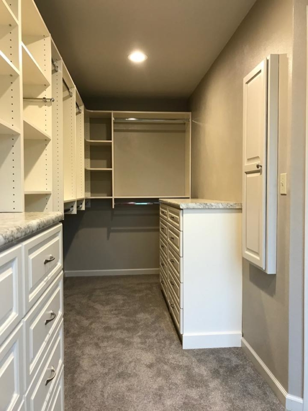 Menomonee Falls White Walk in Closet